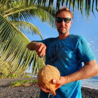 Kokosnuss öffnen zwei wollen meer